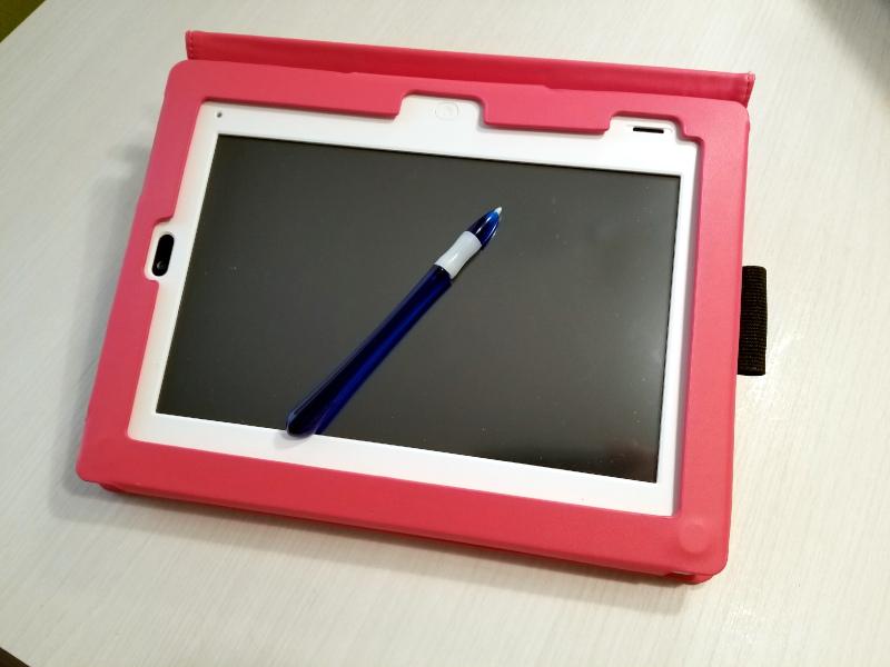 進研ゼミチャレンジタッチの本体とタッチペン